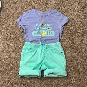 Girls Size 10-12 outfit Graphic Tee and Shorts